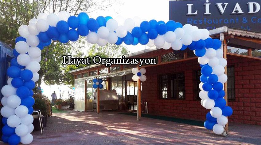 sünnet düğün organizasyonu mavi beyaz balon kemer